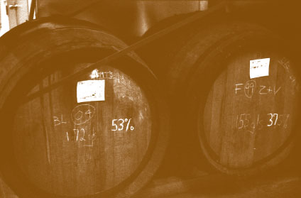 Our cellars contain some 1400 barrels, equal to 60,000 cases. About 25% of this brandy was distilled between 1983 and 1998, thus over 15 years old.